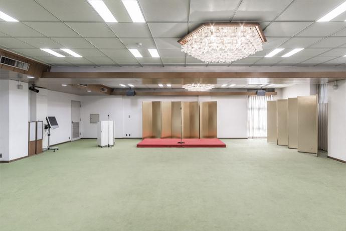 蕨市民会館 改修工事【カールトン600グリッド】