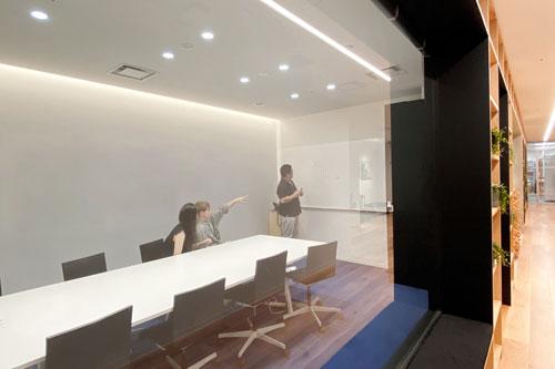 吸音パネル会議室2